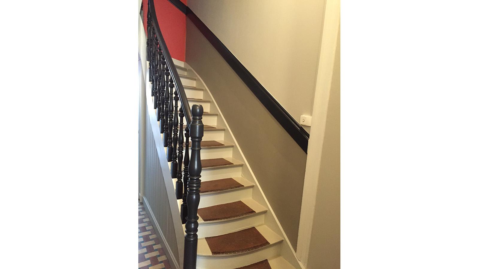 Rénovation cage escalier - Les Pinceaux de Valérie